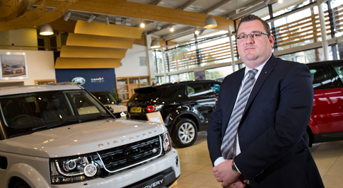 Award-winning manager returns to Farnell Land Rover Guiseley