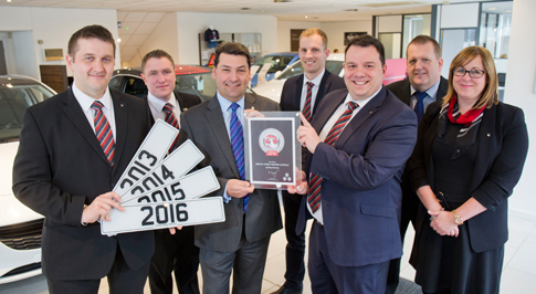 Vauxhall Lichfield recognised for outstanding service